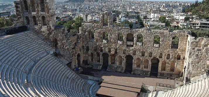 Teatro Grego x Teatro Romano